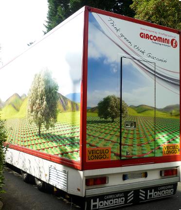 <b>Giacomini</b><br/>Habillage, peinture et aménagement intérieur du camion